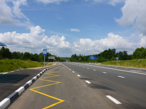 M9 to Moscow - recently upgraded, with amazing turn offs leading to nowhere apparent