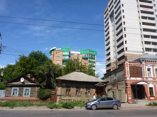 Typical Samara street - old and new