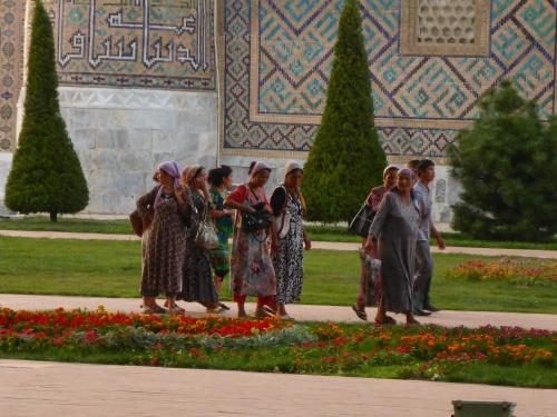 Uzbek women, near the Registan, Samarkand, Uzbekistan