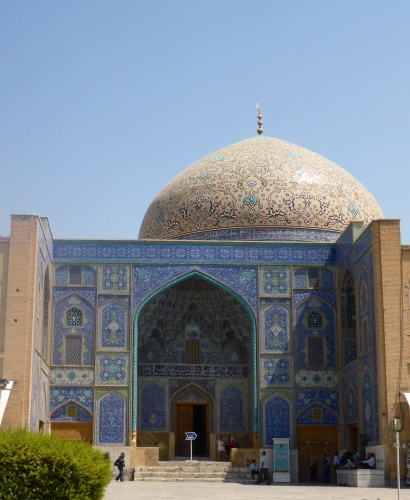Sheikh Lotfollah mosque, with no minaret or  courtyard, but entrance steps which were never used - Isfahan, Iran