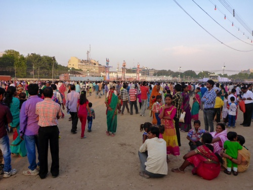 Early crowds at Ramlila ground, Delhi