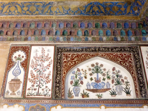 Fine inlays at I'timad-ud-Daulah mausoleum, Agra, India