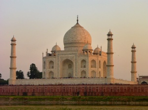 Sun serting on the Taj Mahal