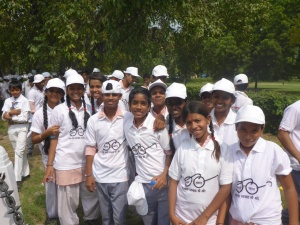 School kids involved in the new Clean India mission