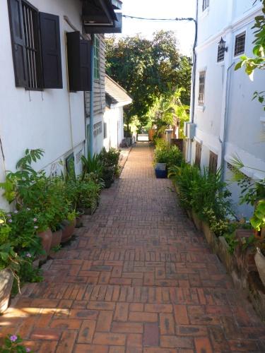 Il y a une multitude de petites ruelles à Luang Prabang, Laos