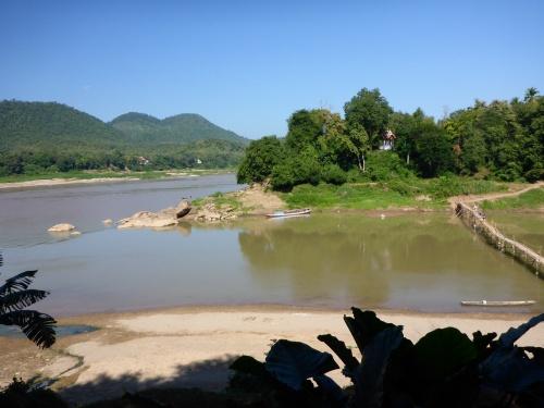 Vue de notre restaurant à midi, Luang Prabang, Laos