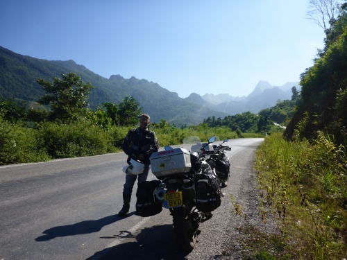 Heading south east from Poungdong towards Kasi, Laos