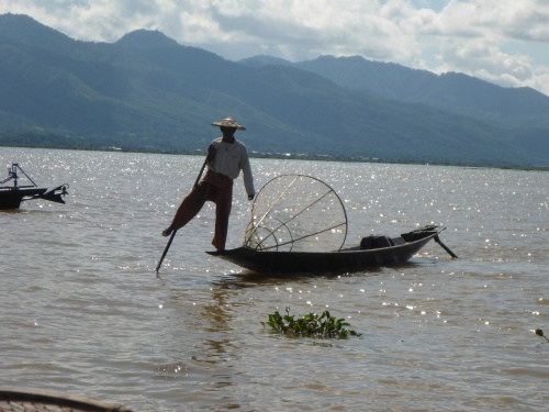 Ingenious one legged rowing used by fishermen on Inle Lake, Myanmar