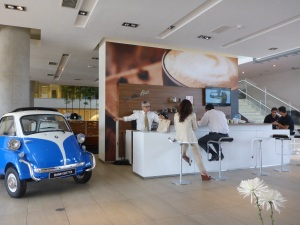 BMW Santiago cafe