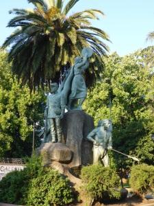 Monumento a la Araucania, Plaza de Armas, Temuco