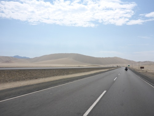 Wind and sand dunes on the Panamericana Norte