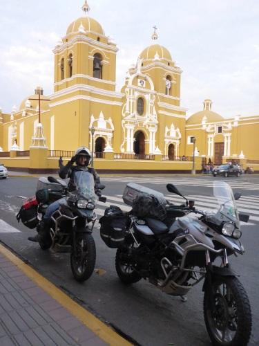 We have just arrived at Trujillo Plaza de Armas