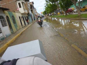 Kristján behind Anne in Tumbes, Ecuador