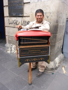 Harmonipan player, Mexico City