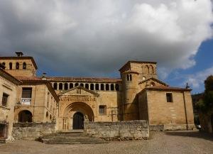 Claustro de la Colegiata de Santillana del Mar, Spain