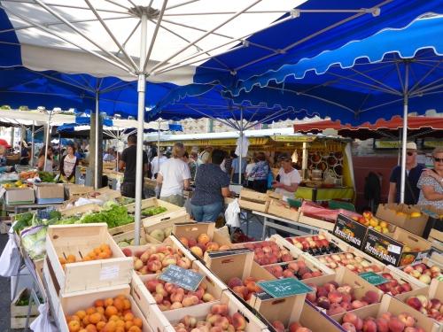 Daily market, Saint-Jean-de-Luz